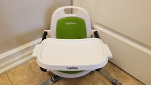 Peg Perego booster seat plus table