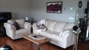 Sofa blanc casse comme neuf