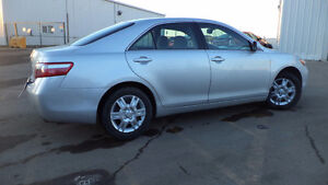 09 Camry- auto - 4dr - LOADED - A/C - NEW TIRES - ONLY 90,000KMS Edmonton Edmonton Area image 2