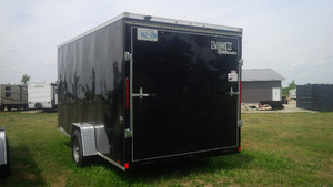 7 BY 14 SINGLE AXLE LOOK ENCLOSED TRAILER London Ontario image 2