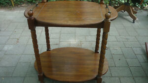 Solid oak table, with removable tray top