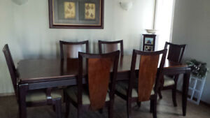 Dining Room Table and Chairs Beautiful Shape