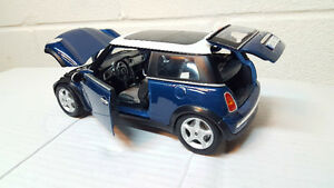 Mini Cooper diecast car 1:18 long sun roof