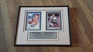 GRETZKY+HOWE DOUBLE AUTOGRAPH;  Sale or trade
