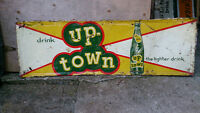 UP TOWN POP SIGN