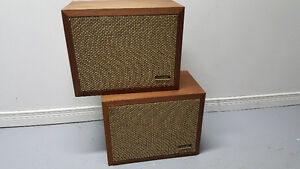 Excellent Vintage Realistic Solo-1 Stereo Speakers Peterborough Peterborough Area image 1