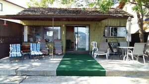 Penticton Lakefront 2 bedroom Cabin  Sept - May