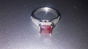 Silver ring 925 with ruby 100