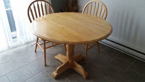 Round table set - excellent condition