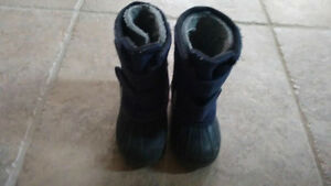 Maple Leaf Winter Boots-Toddler Size 7 Kitchener / Waterloo Kitchener Area image 3