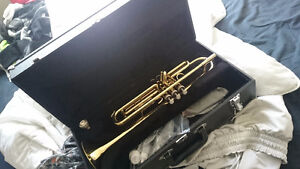 Musicare trumpet /W case & cleaning kit.