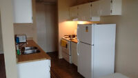 ROOMMATE WANTED - Bedroom Available now in Callingwood