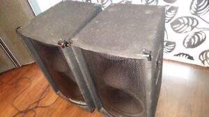 2 MONITEUR SPEAKERS 500WATTS SOUNDTECH MADE IN USA TRÈS PUISSANT