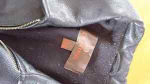 Men's Danier leather jacket - priced to sell Gatineau Ottawa / Gatineau Area image 2