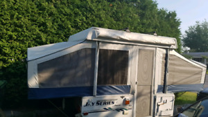 Tente roulotte 2006 jayco 8 pied