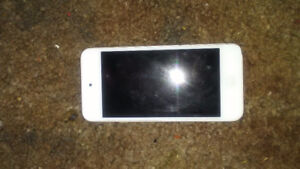 IPod Touch 5th generation 32g, gold.