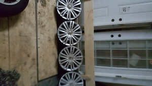 VW ORIGINAL 16 INCH HUBCAPS BRAND NEW