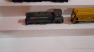HO Model Trains, DCC diesel Switcher & Matching whooper 3bay car
