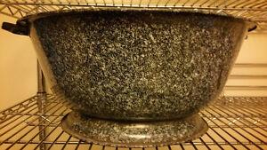Vintage Enamelware Bread Bowl with Lid