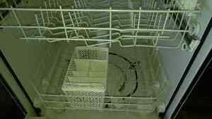White maytag dishwasher rarely used. Stratford Kitchener Area image 5