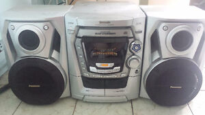 Stereo Panasonic a vendre.....Panasonic Stereo for sale