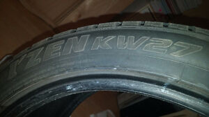 4 pneus hiver 4 winter tires 245 40 18 200$ !!! West Island Greater Montréal image 4