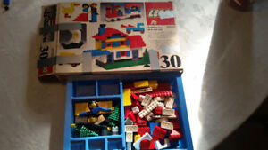 Vintage Lego Basic Building set 30 (1976) with box