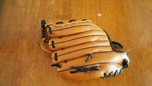 MacGregor Baseball Glove for Child London Ontario image 2