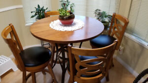 Excellent Table and chairsx4 set