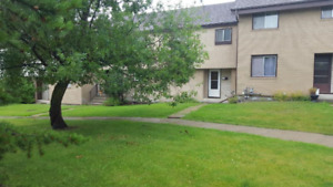 Upgraded townhouse condo for rent in St Albert