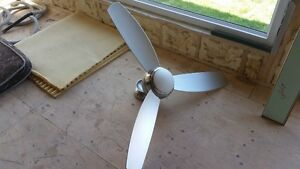 52 inch Emerson dimmable, reversible, fan with Full Remote
