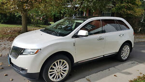 2011 Lincoln MKX SUV, Crossover, Lady Driven