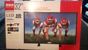 """RCA 32"""" SMART LED HD TV"""