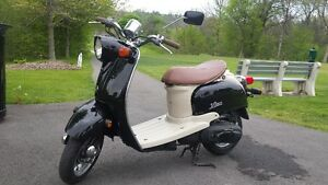 Yamaha Vino Retro Style Scooter.  Certified. Delivery available.
