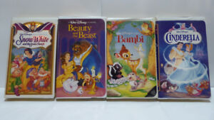 15 DISNEY CLASSIC CHILDREN'S ANIMATED MOVIES ON VHS TAPES