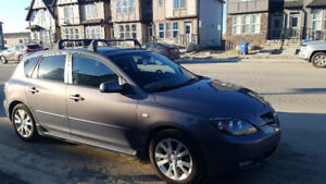 2008 Mazda3 Hatchback, Great Condition! Remote start + new tires