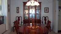 MINT CONDITION FRENCH PROVINCIAL DINING ROOM SUITE