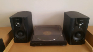 Definitive Technology and Denon Turntable DP-200 USB