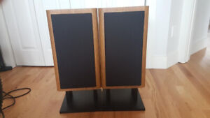 Infinity Stereo Speakers and Stands