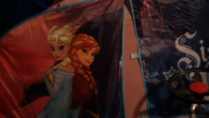 Elsa and Anna tent bed cover