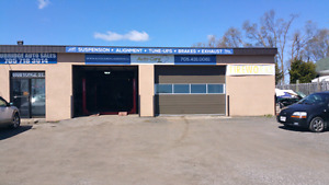 Hi way commercial space available on Yonge st innisfil