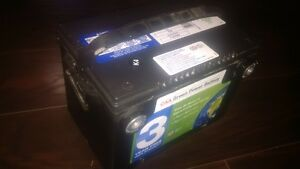 CAA GREEN POWER BATTERY SIDE POST 800CCA AS NEW A1 London Ontario image 2