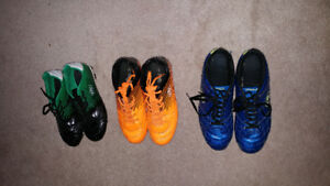 Soccer shoes for youth are for sale