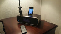 IPod Touch 16 GB with IHome Radio Alarm Clock Docking Station