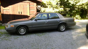 1998 Ford Crown Victoria Sedan