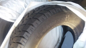 4 USED WINTER TIRES, Hankook IPIKE, 215/60R16 95T, PNEUS