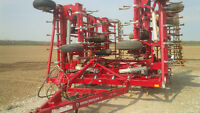Kongskilde Cultivator - CLEAN AND READY TO GO TO THE FIELD