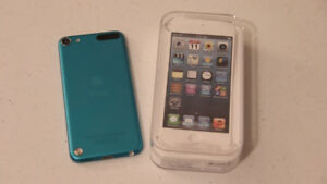 Ipod Touch 5th Gen Mint 32GB -Case+Headphones+Charging Cable+Box