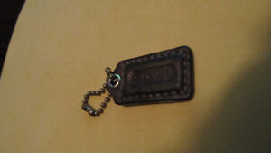 Small brown, gold or black leather replacement Coach tag & chain West Island Greater Montréal image 1