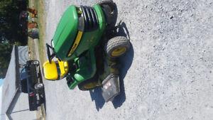 Tracteur à gazon john deere x360